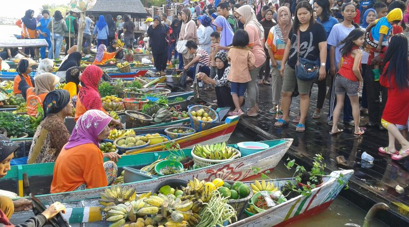 Floating Market in Siring, Indonesia