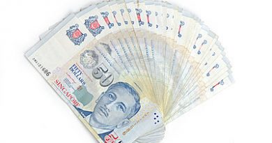 fan-shaped-singapore-dollar-notes-7506481.jpg