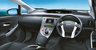 toyota-prius-facelift-malaysia-9.jpg