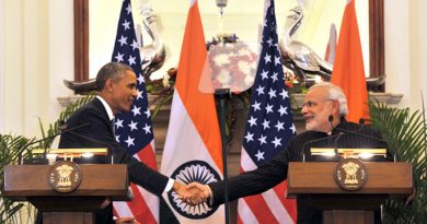 Prime_Minister_Modi_and_President_Obama_shake_hands_during_a_joint_press_interaction.jpg