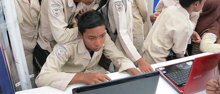 indonesian-students-thumb.jpg